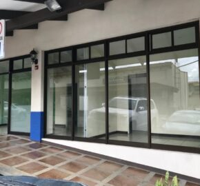 Local comercial en Condominio Plaza Santo Domingo