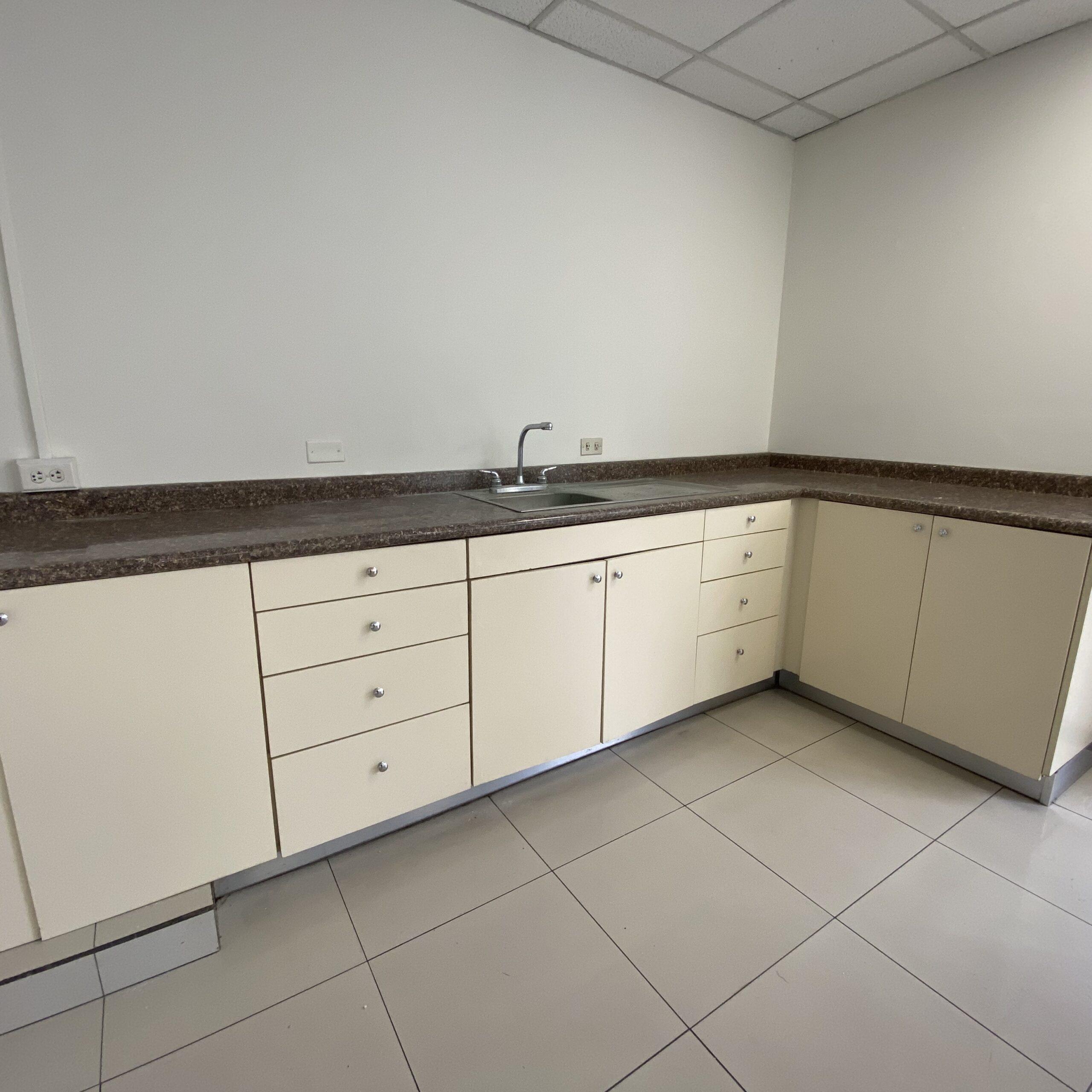 Oficina en alquiler de 308.06 m2
