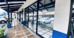 Locales 3 y 4 de 192 m2, en Plaza Santo Domingo